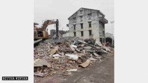 폐허가 된 주민들의 집