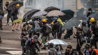 홍콩 시위를 억압하기 위한 물품 운반 금지