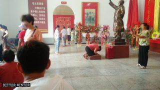 마오쩌둥은 중국에서 주요 신(神)이 되고 있는가?