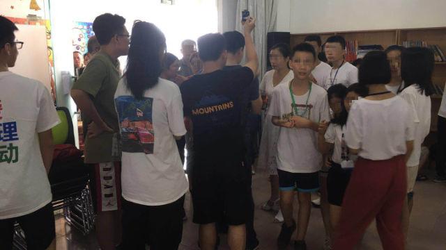 포산(佛山)시의 감람나무교회가 준비한 여름 캠프에 사법 경찰이 난입했다
