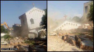 푸저우시 어느 촌에서 삼자교회 두 곳이 철거되다