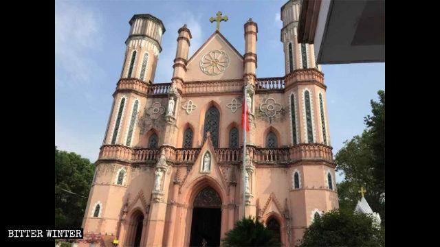 푸저우(撫州)시에 위치한 성요셉성당의 외경