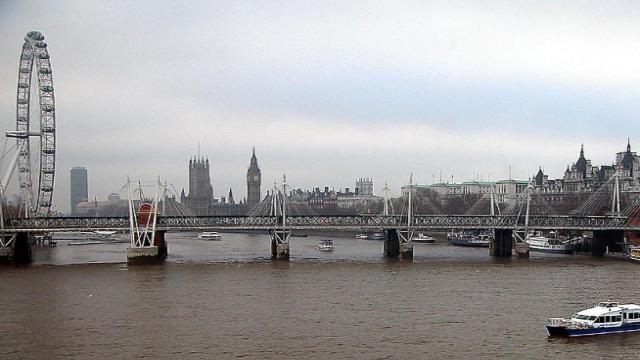 런던 템스 강변