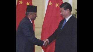 시진핀과 네팔의 외무부 장관 프라디프 기아왈리