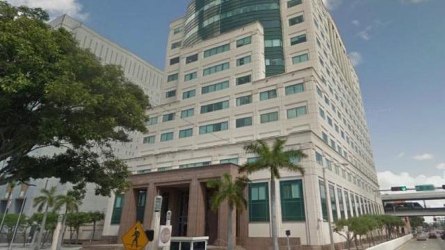 중국은 코로나바이러스를 국제적으로 확산시킨 혐의로 미국 플로리다 남부 지방법원에 기소되었다.