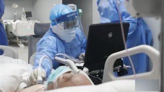의료진들, 코로나19에 대한 중국의 허위 정보 폭로