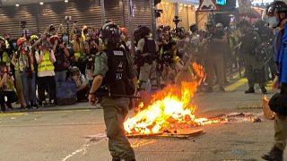 홍콩, 최악의 시간은 아직 오지 않았다