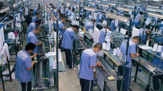 수출용 상품 제작을 위해 재소자들을 착취하는 중국