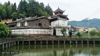 혁명 기지로 개조된 고대 사찰들