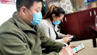 전염병 기간에 '시진핑 사상' 학습...전국 불안정 당 지지율 하락